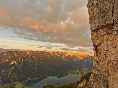 Klettern im Rofangebirge am Achensee | © Achensee Tourismus