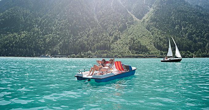 Tretbootfahren am Achensee | © Achensee Tourismus