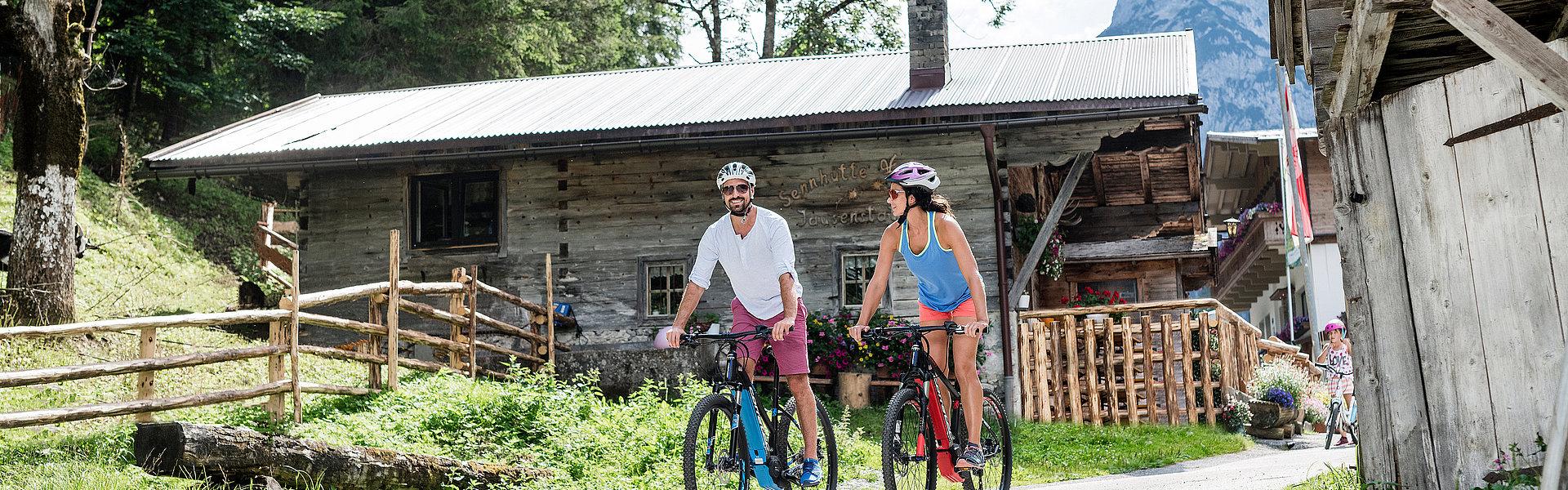 E-Bike Tour in den Karwendeltälern | © Achensee Tourismus